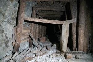 Teilweise eingestürzte Mine