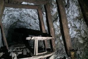 Alte Kabeltrommerl in der Mine